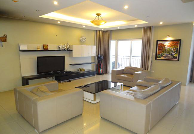 Beautiful apartment in Nguyen Chi Thanh street