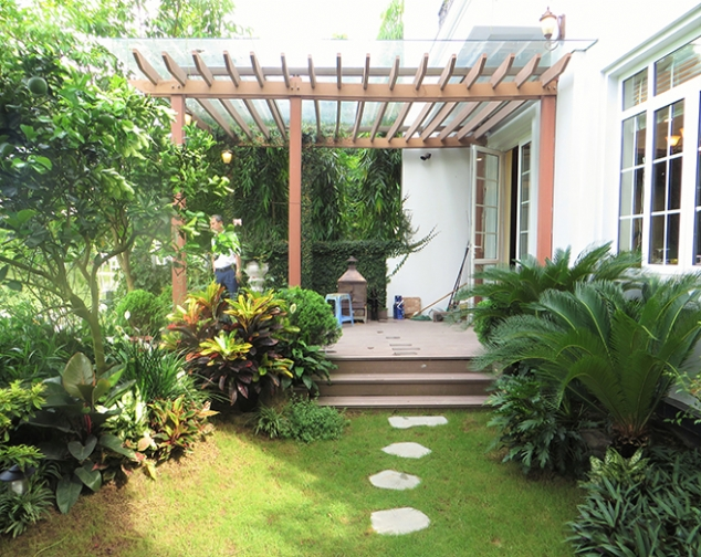 Beautiful villa in Bang Lang street, Vinhomes Riverside Long Bien for rent