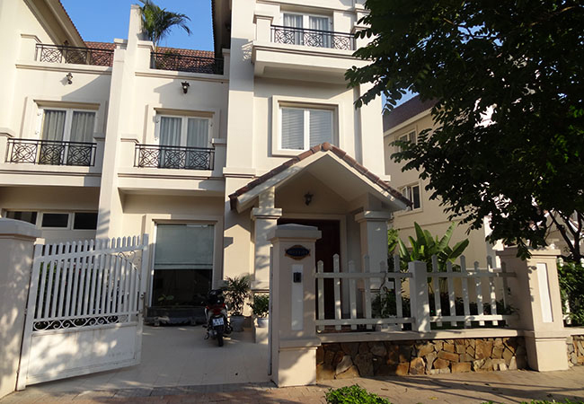 Beautiful villa in Hoa Sua street, Vinhomes Riverside Long Bien