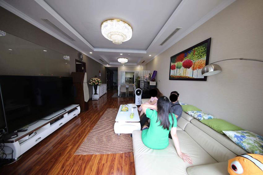 Big 2 bedroom apartment in Royal City Nguyen Trai for rent