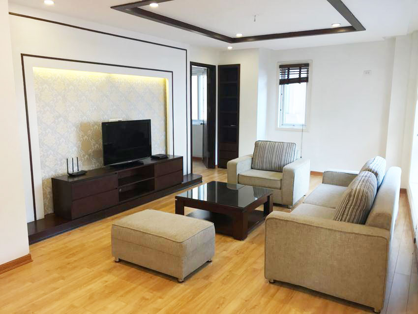 Big 3 bedroom apartment near Ba Mau lake, Dong Da