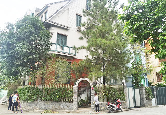Big corner villa in Vuon Dao, Tay Ho district