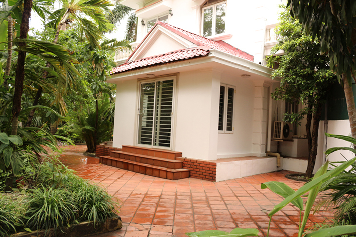 Big villa in Quang Ba street, Tay Ho for rent