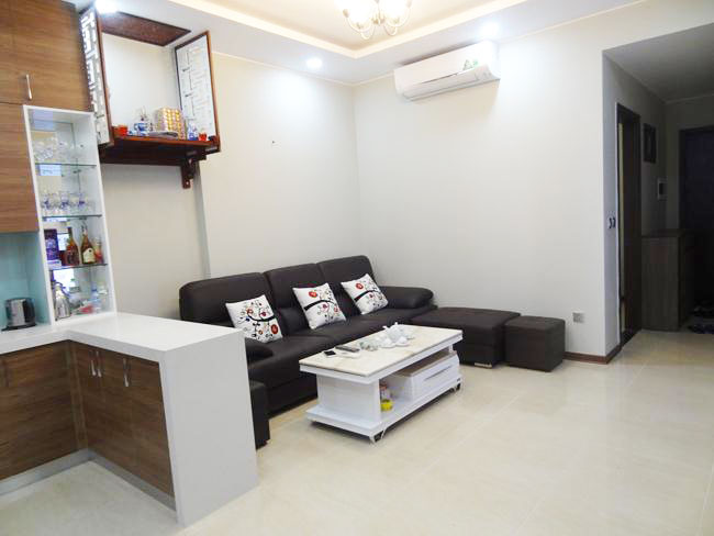 Brand new 3 bedroom in Trang An complex for rent