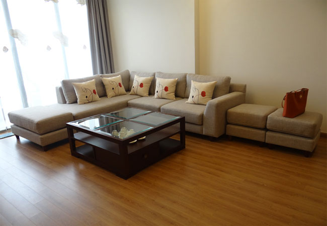 Brand new apartment in Vinhomes Nguyen Chi Thanh for rent