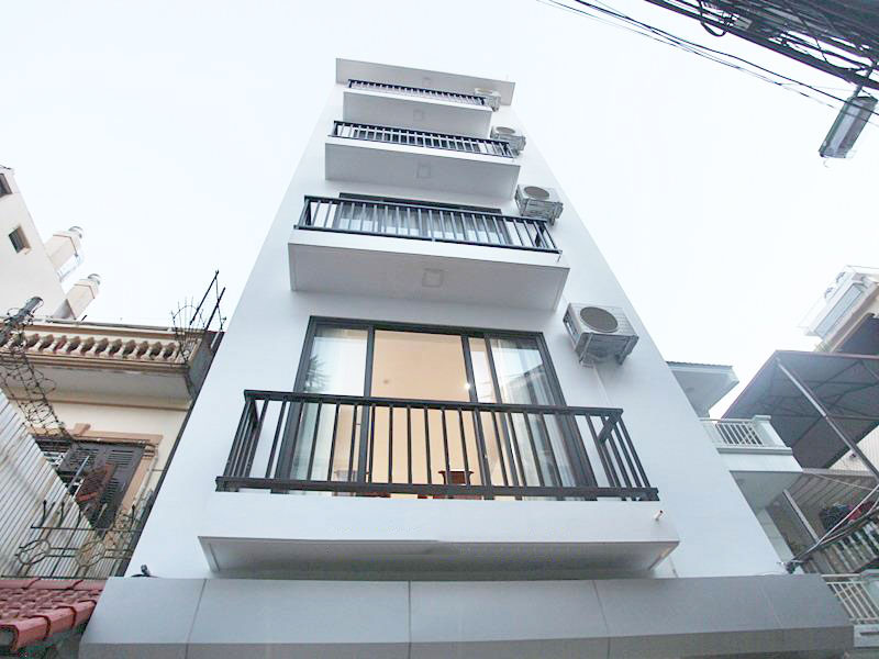 Brand new basic furnished house for rent in Tay Ho