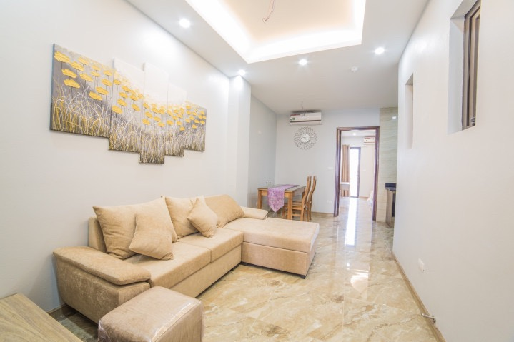 Brand new serviced apartment in Nguyen Hong for rent