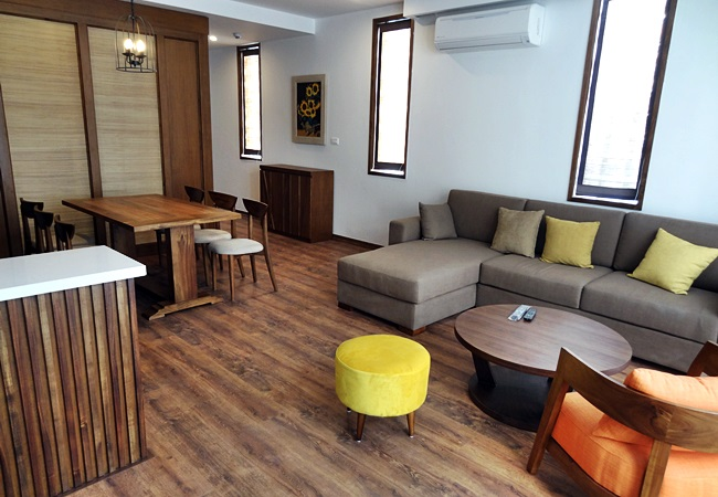 Brand new serviced apartment in Tay Ho street, near Xuan Dieu