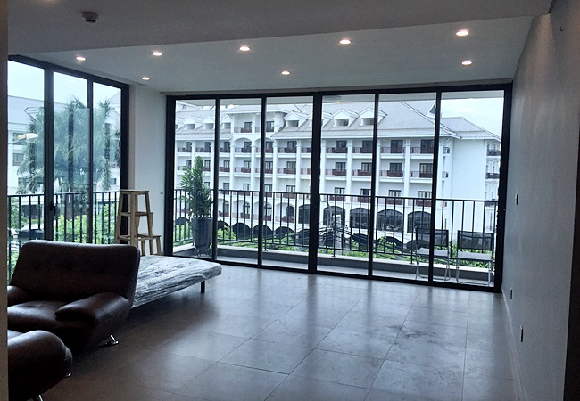 Brand new serviced apartment in Tu Hoa with lake view