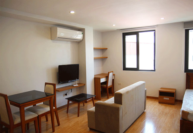 Brand new studio in Tran Vu for rent, near Truc Bach lake