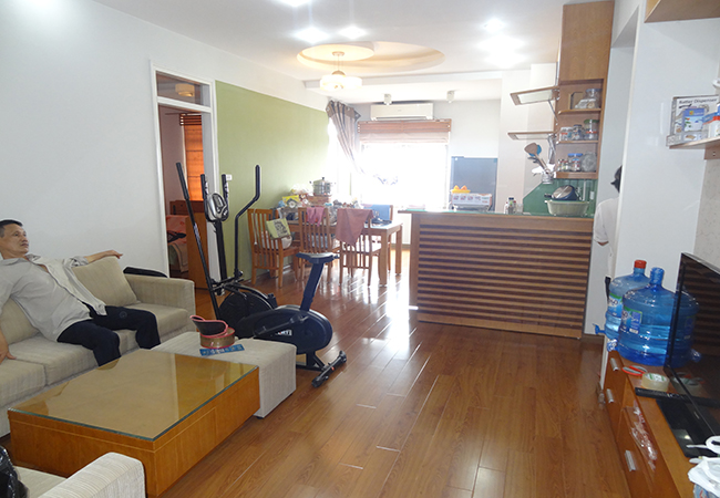 Bright apartment in Doi Nhan for rent with all open windows