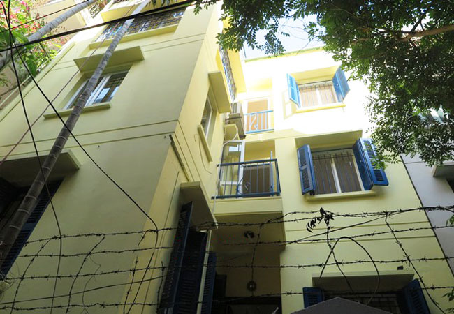 Bright house in Doi Can for rent, partial furnished