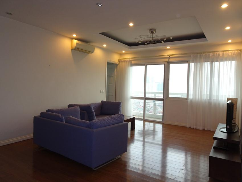 Ciputra: 4 bedroom apartment for rent in E5 building