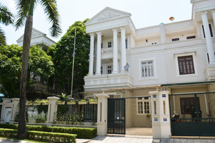 Ciputra villa for rent, fully furnished to move in