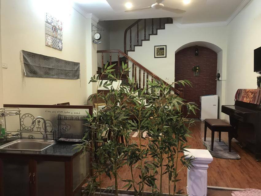 Cozy 2 bedroom house in lane 12 Dao Tan for rent