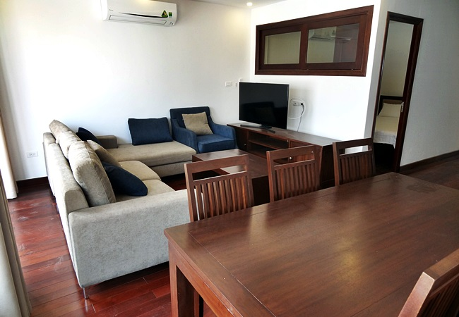 Cozy apartment in lane 20 Tay Ho for rent