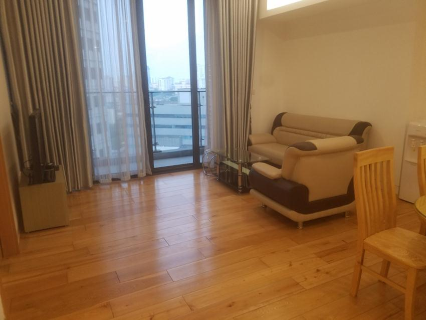 For rent: 3 bedroom apartment in high floor IPH, Cau Giay