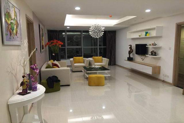 Fully furnished 4 bedroom apartment in high floor of Thang Long number 1