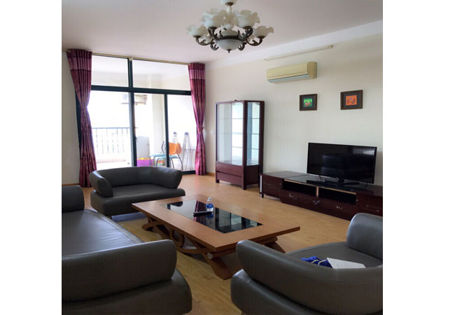 Fully furnished apartment in 71 Nguyen Chi Thanh for rent