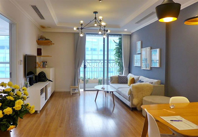 Fully furnished apartment in Vinhomes Nguyen Chi Thanh for rent