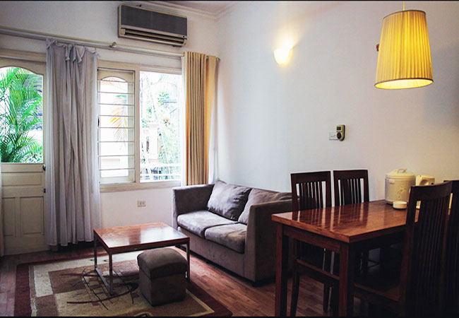 Fully furnished apartment with 2 bedrooms in 12 Dao Tan