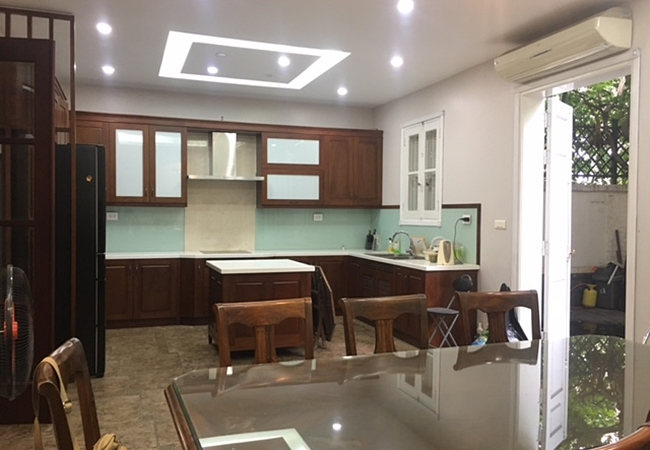 Fully furnished house in Tay Ho street, near West lake