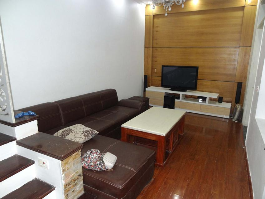 Fully furnished house in Thuy Khue, Ba Dinh for rent