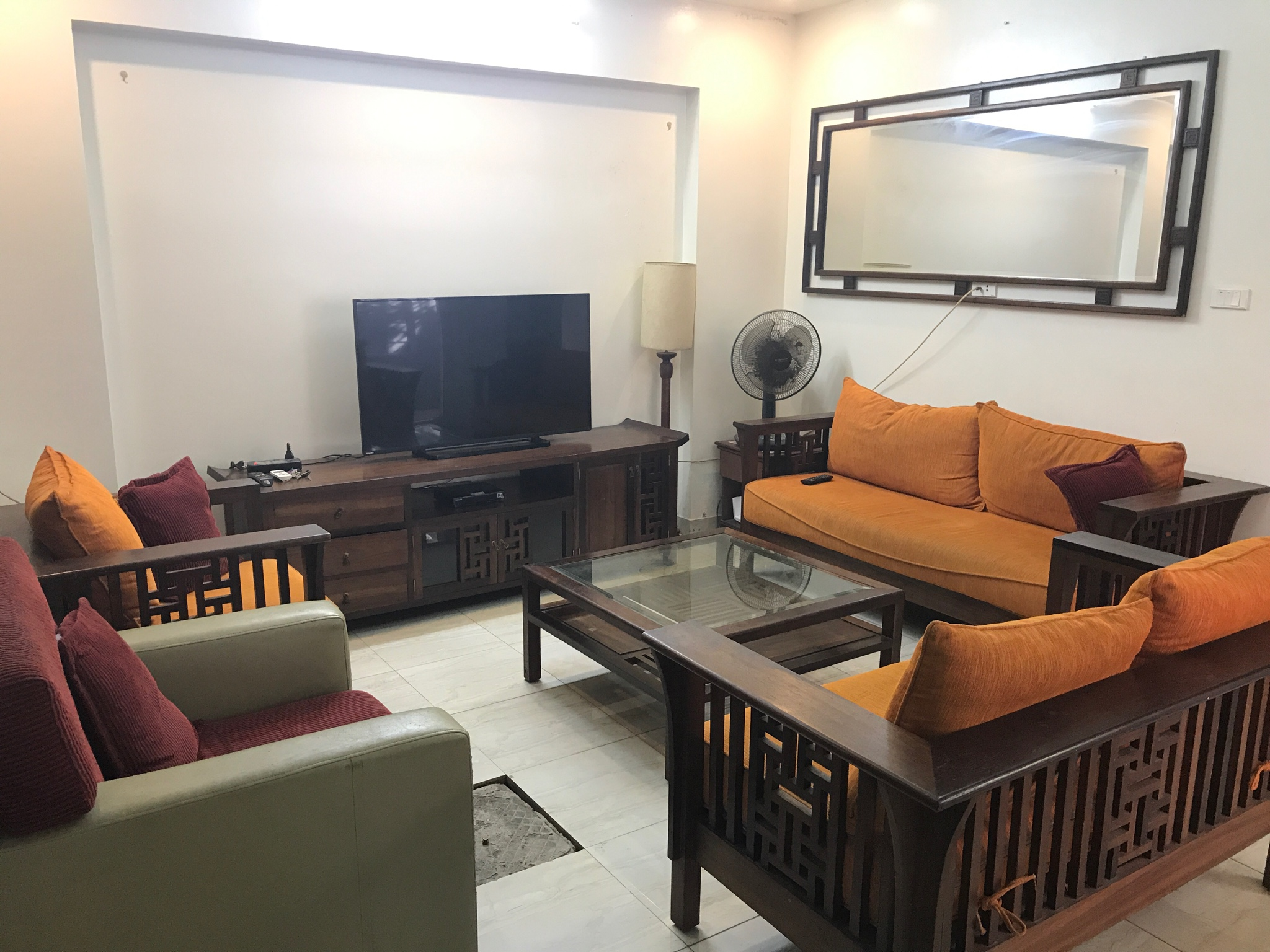Fully furnished house in Thuy Khue for rent