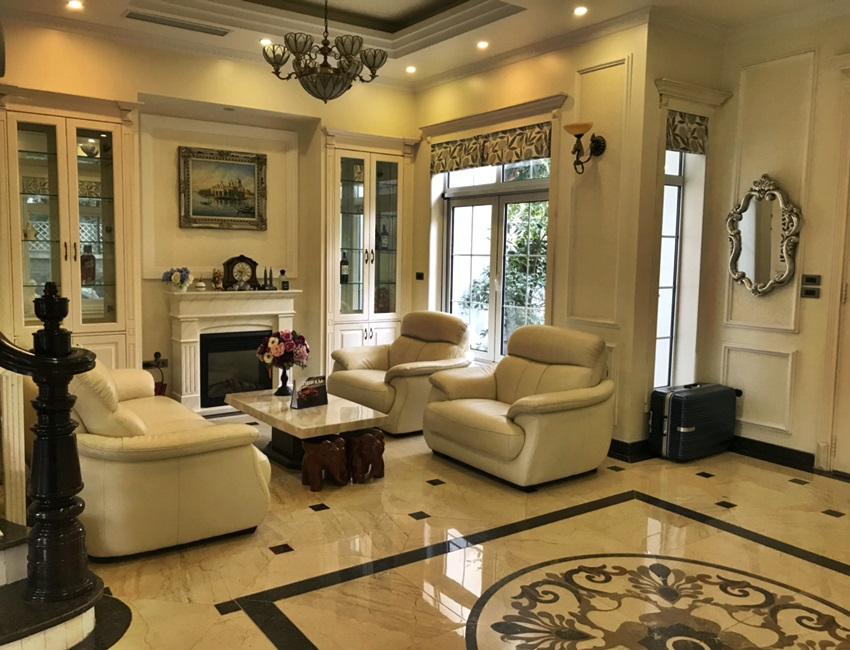 Fully furnished villa in Hoa Sua - Vinhomes Riverside