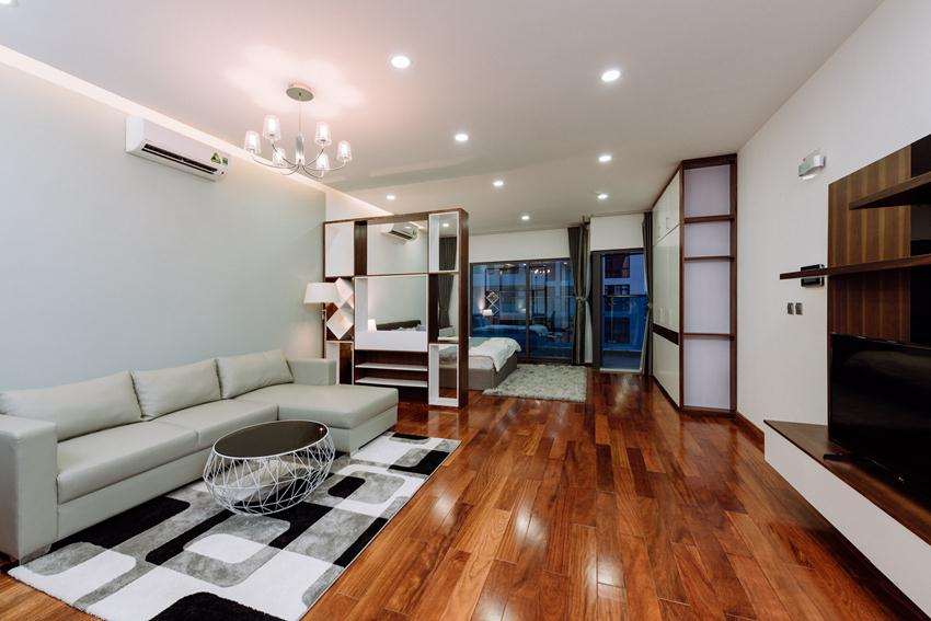 Fully serviced apartment in Trang An complex