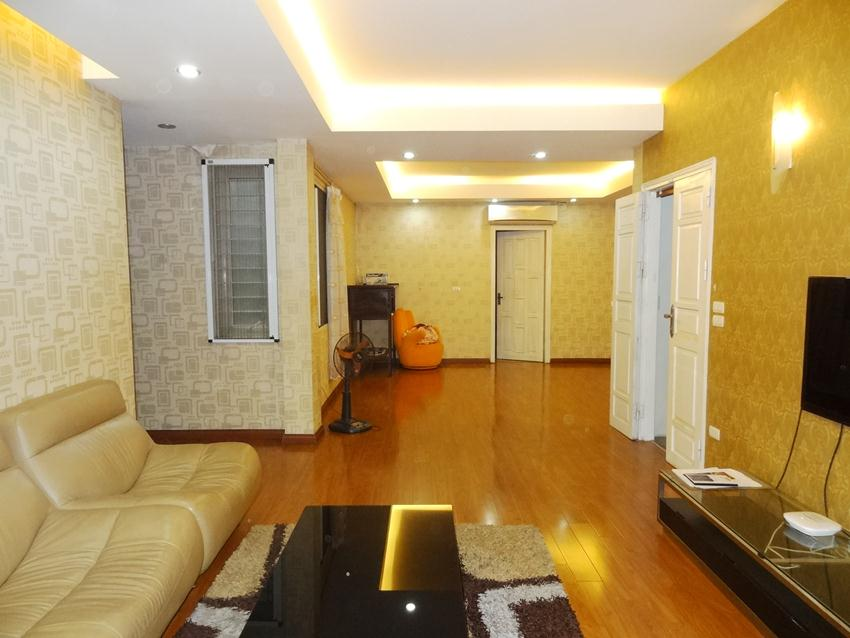 Furnished apartment with 3 bedroom in Quan Ngua for rent