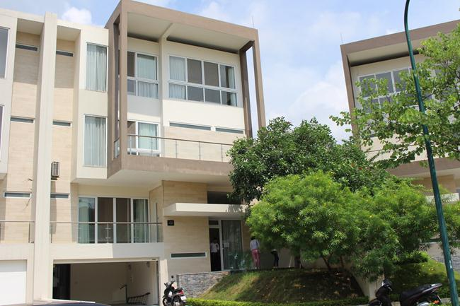 High class villa in newest block of Ciputra for rent