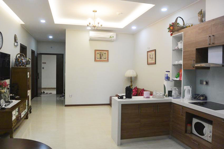 High floor apartment with 02 bedrooms in Trang An complex