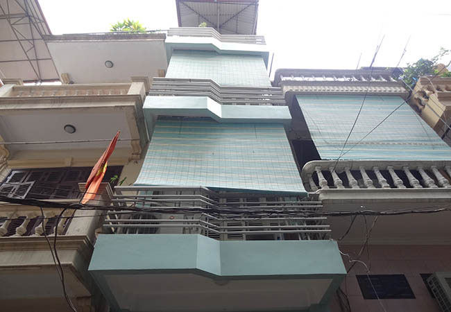 House near Temple of Literature for rent, Dong Da