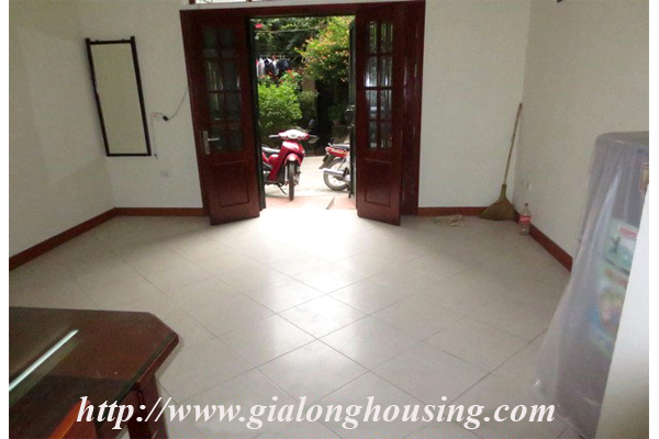 House with 04 floors in Le Thanh Tong street 1