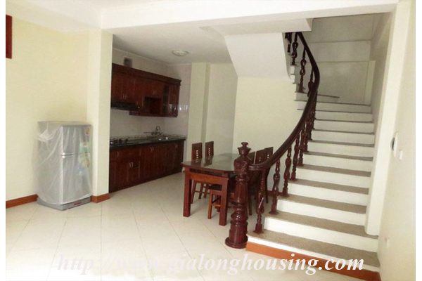 House with 04 floors in Le Thanh Tong street 2
