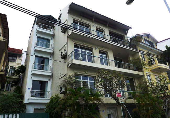Lake Side House for Rent in Quang An street,Tay Ho Dist, large Balcony
