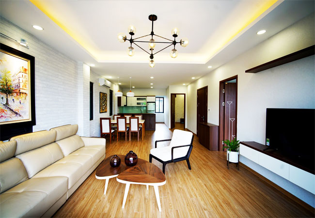 Lake view 02 bedroom apartment for rent in Nhat Chieu st, Tay Ho district.