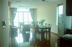 Lake view apartment for rent in Tay Ho,Yen Phu Village