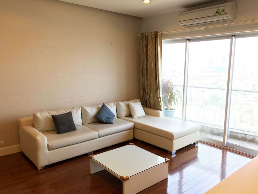Lake view high floor apartment in Golden Westlake
