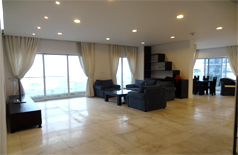 Luxury apartment for rent in Golden West Lake 250 m2