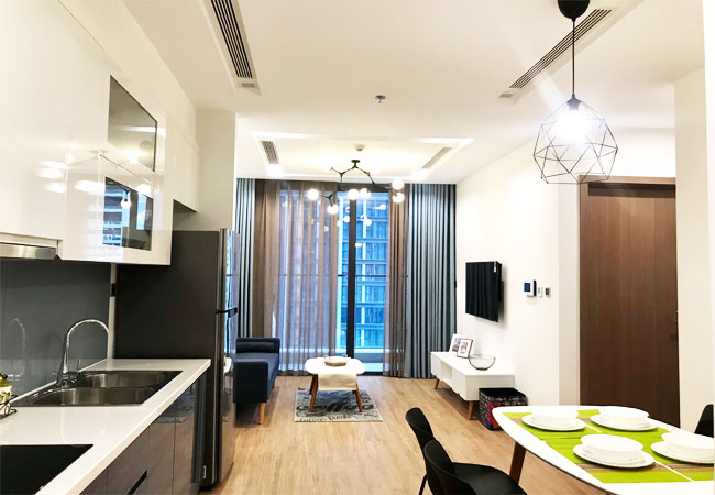 Luxury furnished apartment for rent in Vinhomes Metropolis