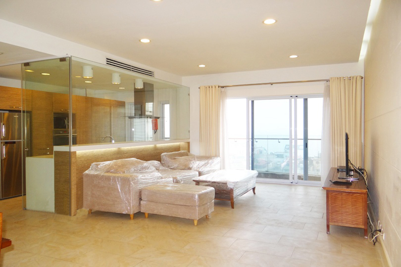 Modern and large apartment in high floor of Golden Westlake