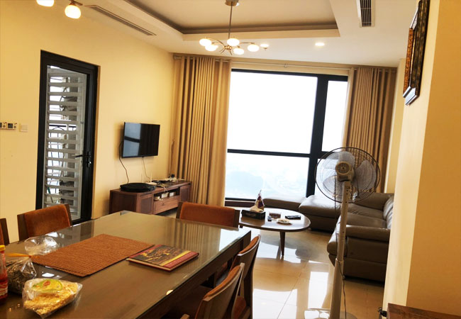 Modern fully furnished 03BRs apartment for rent at Royal City, good prices