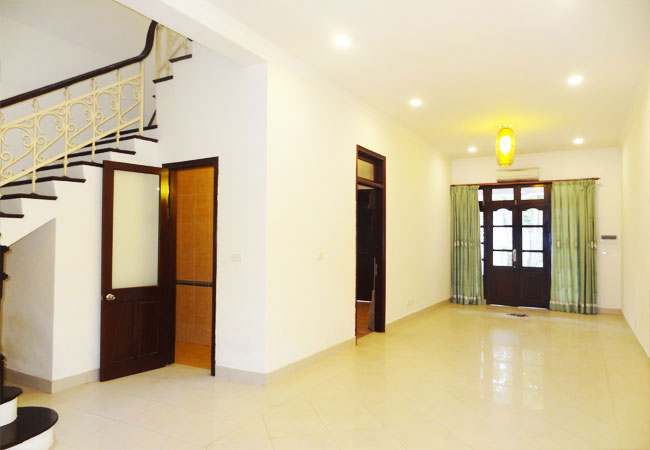 Newly renovated unfurnished villa for rent in C block