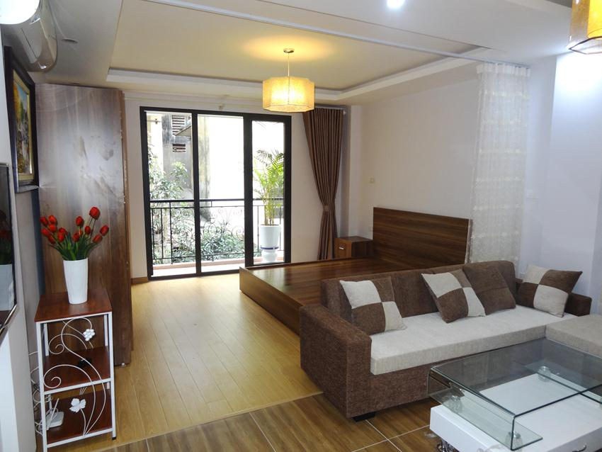 Nice apartment in Hoang Cau, not far from the lake