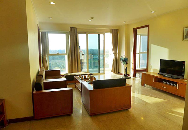 Nice apartment with golf court view for rent in Ciputra L building