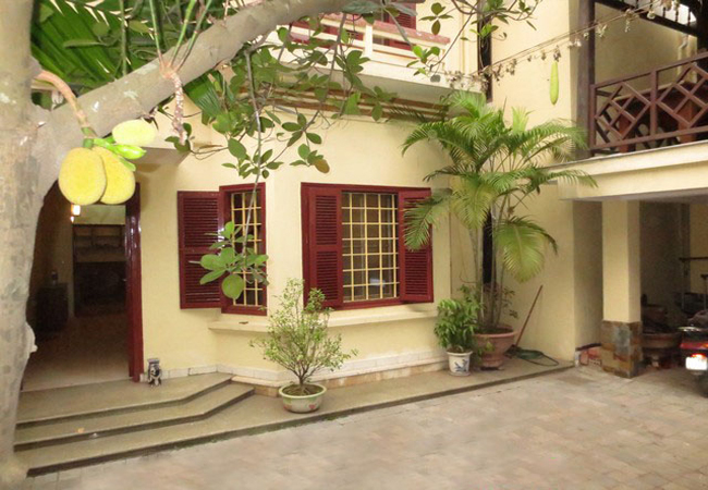 Nice house with big yard in La Thanh for rent