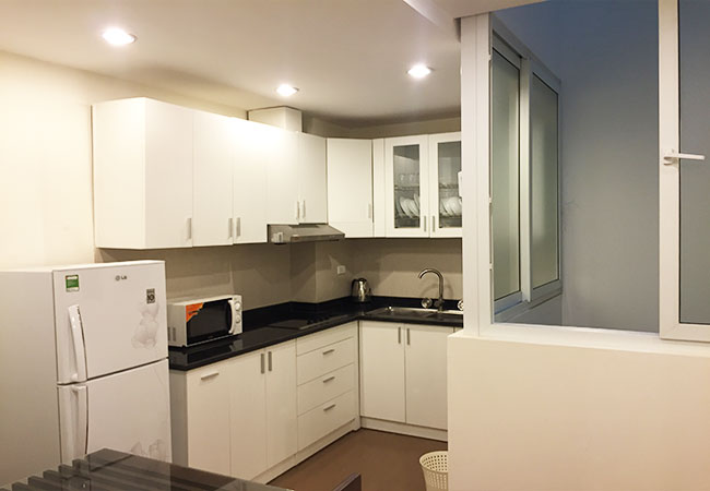Nice serviced apartment in Tran Thai Tong for rent