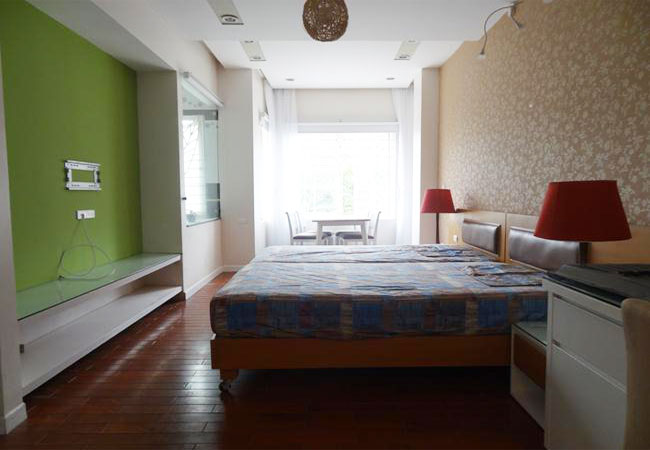 One bedroom apartment for rent near Tran Duy Hung street